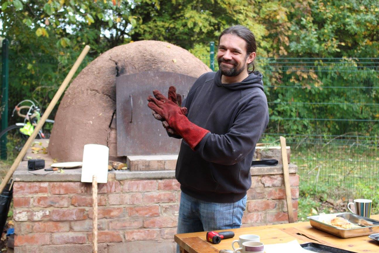 Apple Day 2016 - Pizza Oven Volunteer